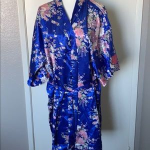 🌙🌙 Beautiful lightweight robe 🌙🌙